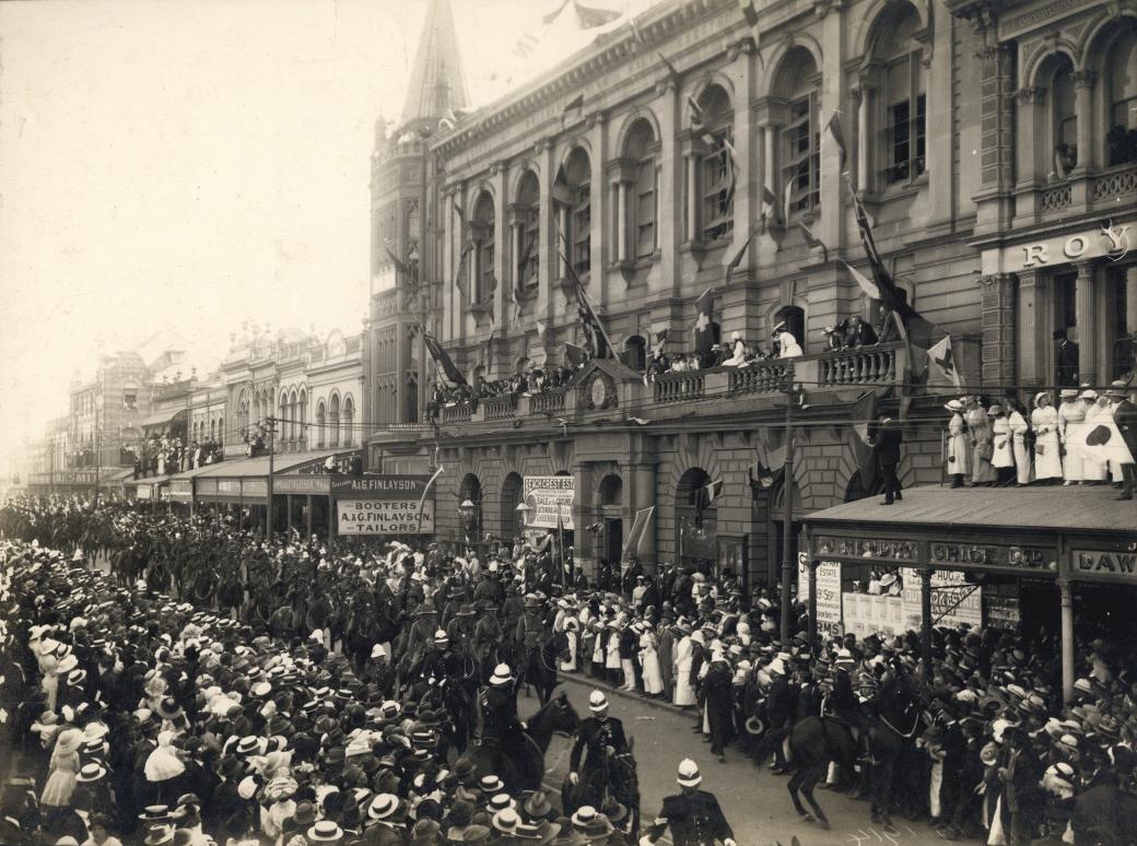 First Anzac parade on Queen Street Brisbane 1916.jpg