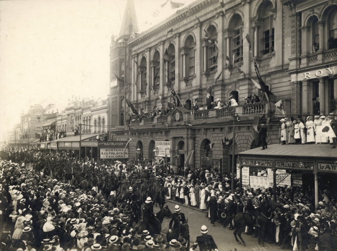 First Anzac parade on Queen Street Brisbane 1916.jpg